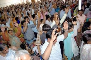 Hindus não conseguem impedir reunião de oração na Índia